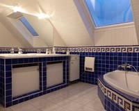 Maison 150 m2 de 2003 7 pièces avec Jardin, Terrasse Cour et Garages - Sdb