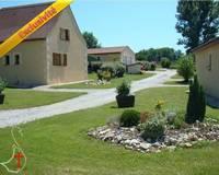 Village de 9 maisons/gîtes sur 43000 m² de terrain - Présentation1 rev1