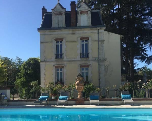 Château et son domaine viticole médaillé - Img 4661  2