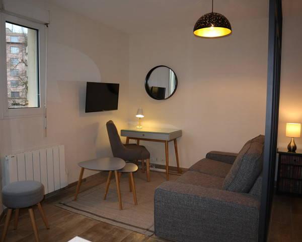 F2 meublé / Parc du Savoy / Proche Parc / Avon - Img 0796