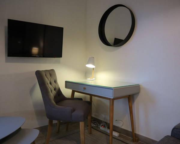 F2 meublé / Parc du Savoy / Proche Parc / Avon - Img 0799