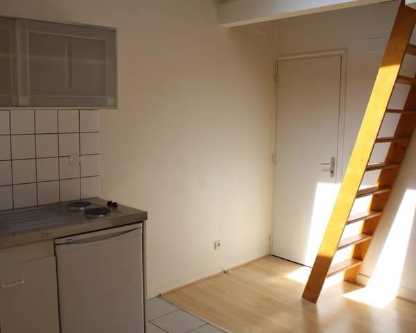 Nancy place Carnot, studio meublé neuf 17 m2 -